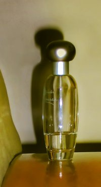 fiolka z perfumami